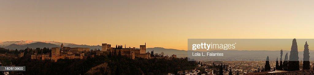 Alhambra palace at sunset : Stock-Foto