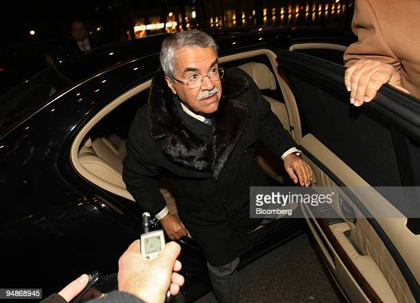 Ali alNaimi Saudi Arabia's oil minister arrives at his hotel prior to the OPEC meeting in Vienna Austria on Wednesday Jan 30 2008 Crude oil rose for...