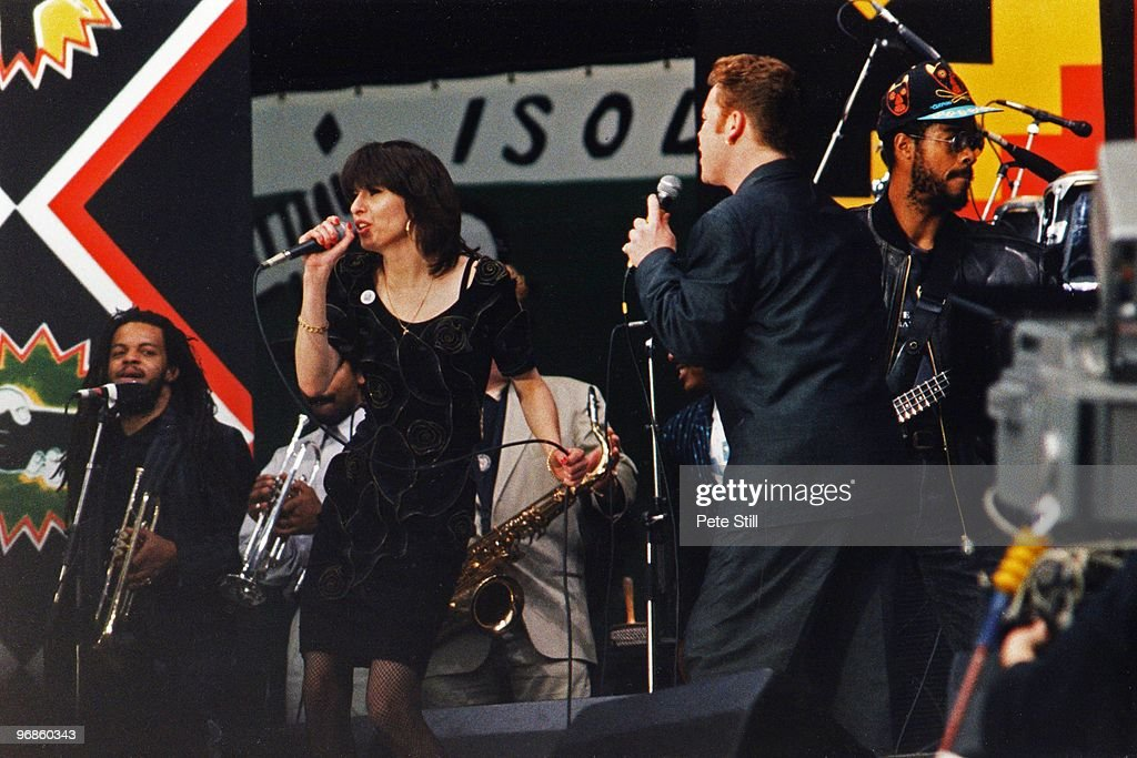 UB40 Perform At The 1988 Mandela Tribute Concert in Wembley Stadium, London : News Photo