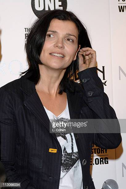 Ali Hewson during Bono Ali Hewson and Rogan Gregory Come Together at Nordstrom to Launch New One Tshirt by Edun September 17 2006 at Nordstrom at The...