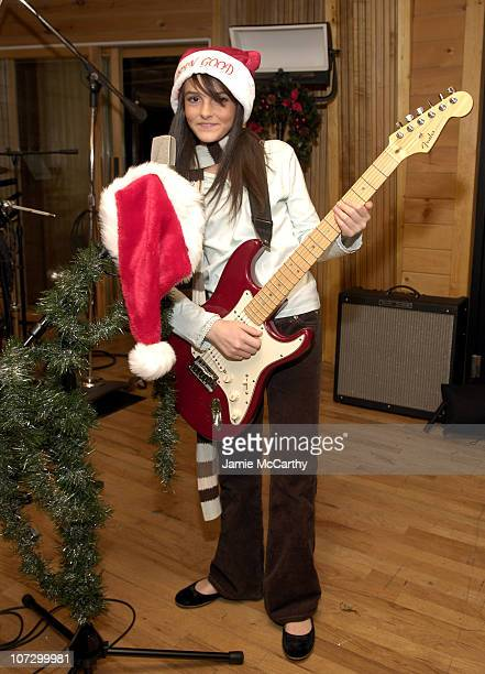 Ali Lohan *Exclusive Coverage* during Ali Lohan Video Shoot 'Rockin Around Tree' Available Exclusively on 'Totally Awesome Christmas' at Radio Shack...