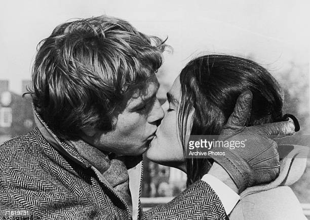 Ali MacGraw and Ryan O'Neal in a scene from 'Love Story', directed by Arthur Hiller, 1970.