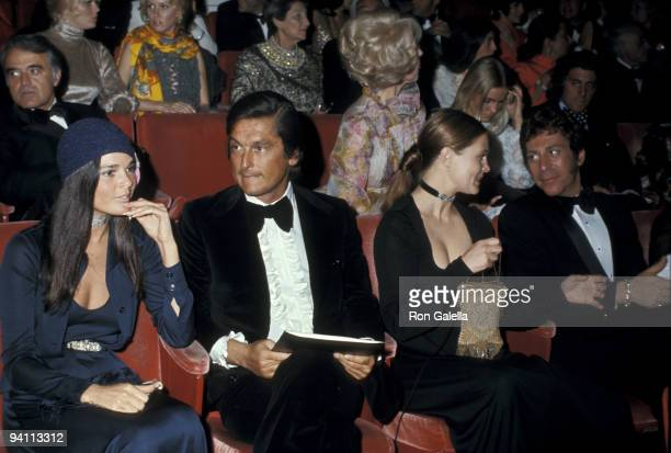 Ali MacGraw Robert Evans Leigh Taylor Young and guest
