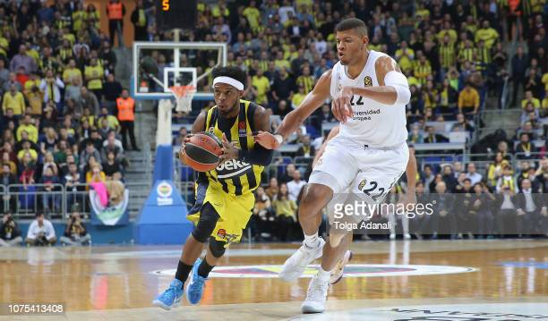 Ali Muhammed #35 of Fenerbahce BEKO Istanbul in action with Walter Tavares #22 of Real Madrid during the 2018/2019 Turkish Airlines EuroLeague...