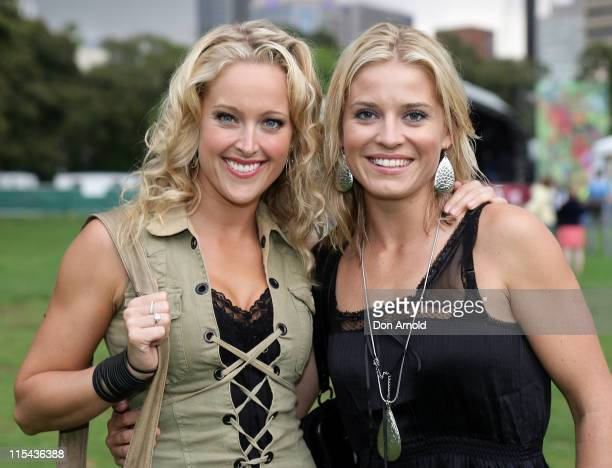 Ali Mutch and Alexandra Davies attend the Legs 11 concert at the Domain in Sydney's Royal Botanic Gardens on October 26 2007 in Sydney Australia The...