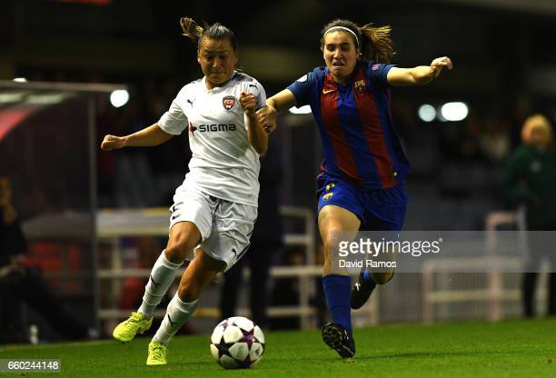 Ali Riley of Rosengard and Mariona Caldentey of Barcelona during the UEFA Women's Champions League QuarterFinal Second Leg match between Barcelona...
