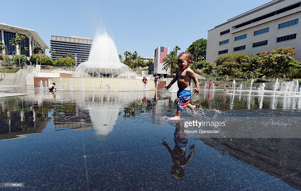Southern California Swelters Under Major Heat Wave : News Photo