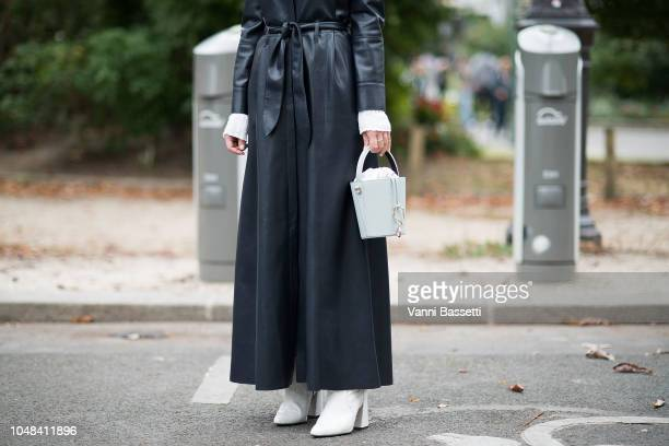 Alice Barbier poses after the Chanel show at the Grand Palais during Paris Fashion Week SS19 Womenswear on October 2 2018 in Paris France