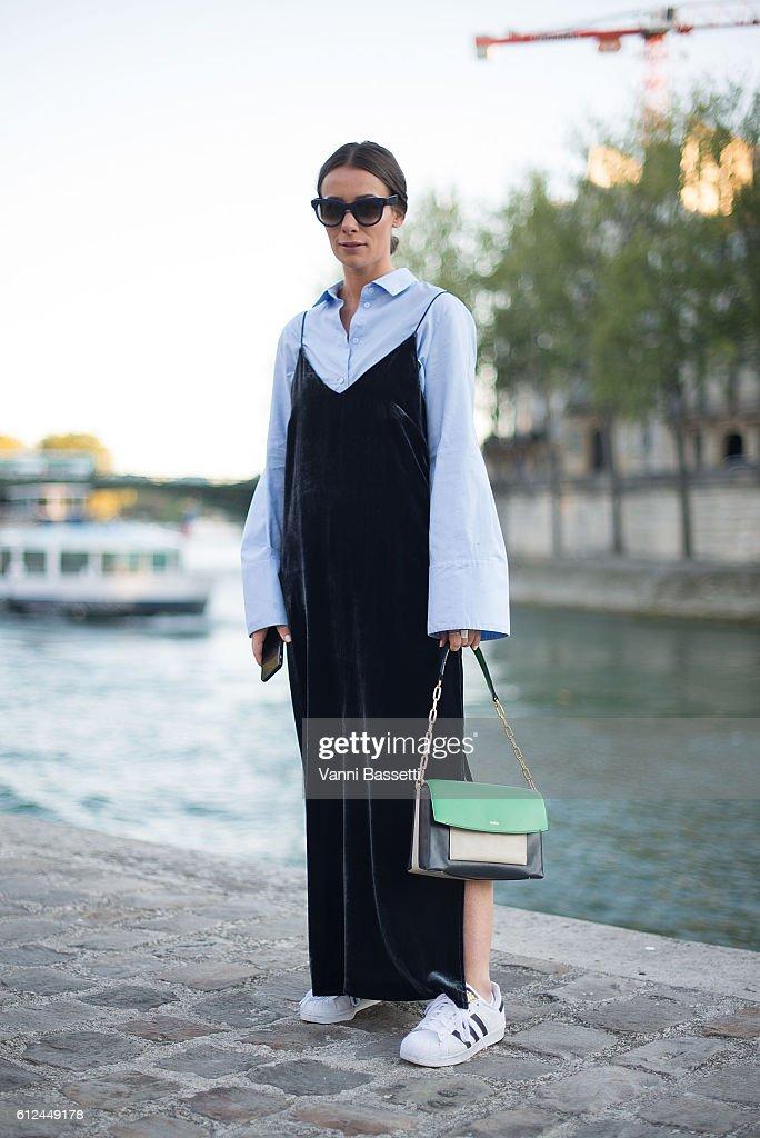 Street Style : Day Eight - Paris Fashion Week Spring/Summer 2017 : News Photo