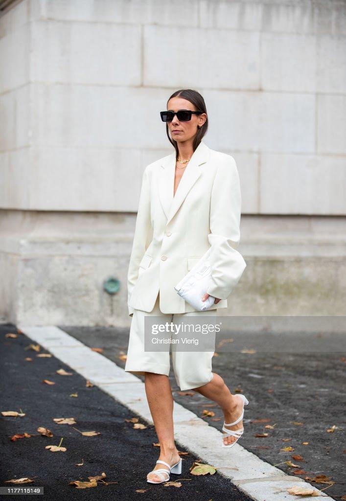 Street Style : Paris Fashion Week - Womenswear Spring Summer 2020 : Day Three : News Photo