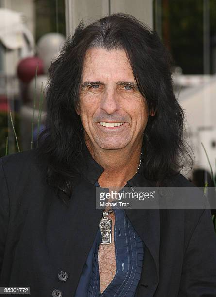 Alice Cooper arrives to The John Varvatos 7th Annual Stuart House Benefit held at John Varvatos Boutique on March 8 2009 in West Hollywood California