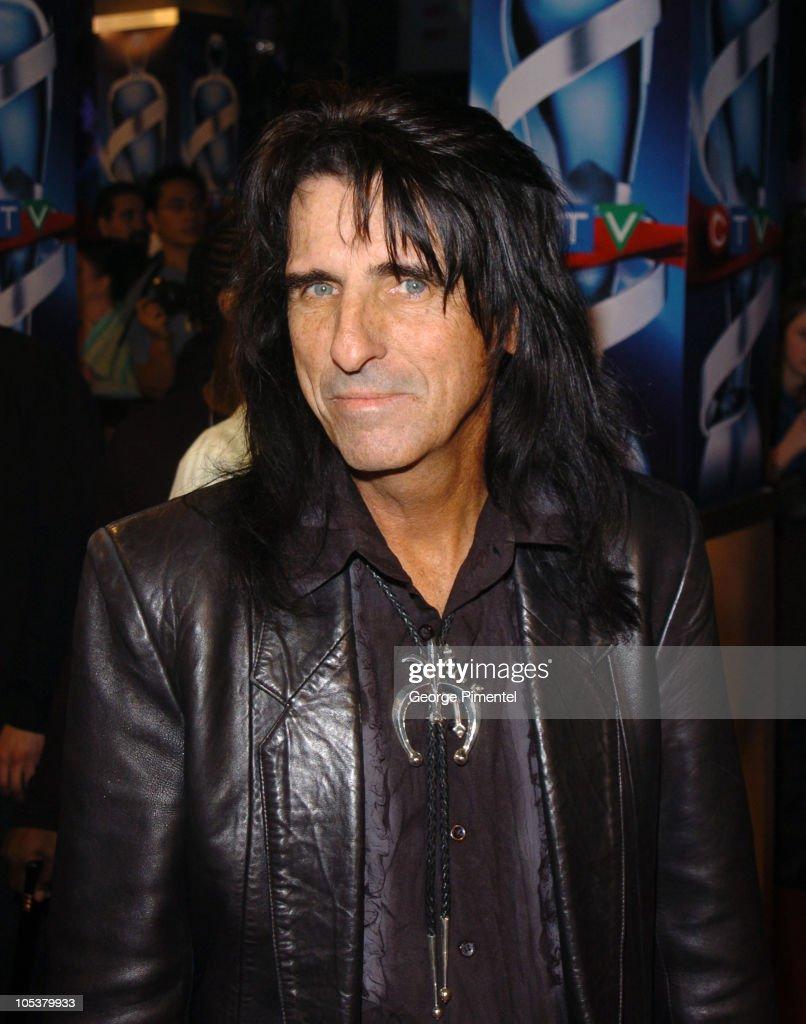 2004 Juno Awards - Arrivals