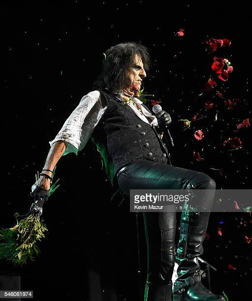 Alice Cooper of Hollywood Vampires performs at Ford Ampitheater at Coney Island Boardwalk on July 10 2016 in Brooklyn New York