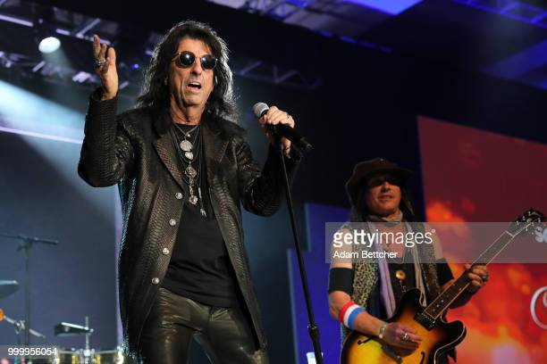 Alice Cooper performs at the 2018 So the World May Hear Awards Gala benefitting Starkey Hearing Foundation at the Saint Paul RiverCentre on July 15...