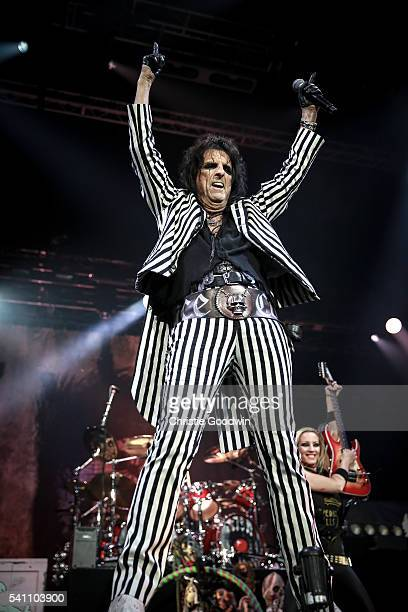 Alice Cooper performs on stage at The O2 Arena on June 18, 2016 in London, England.