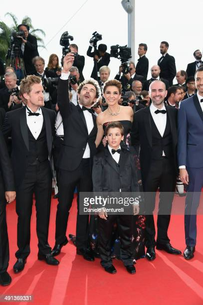 "Alice David, Gerard Jugnot, Philippe Lacheau, Nicolas Benamou, Enzo Tomasini, Clotilde Courau, Julien Arruti and Tarek Boudali attend the ""How To..."