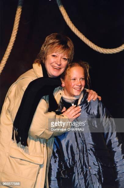 Alice Dona et sa petitefille le 25 mars 2000 à Disneyland Paris France