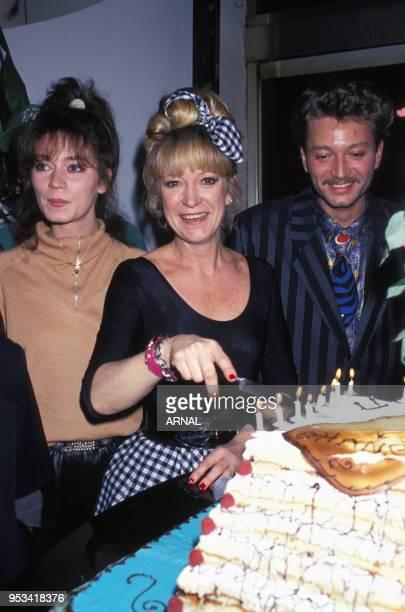 Alice Dona fête son anniversaire avec son compagnon Laurent Boyer en février 1988 à Paris France
