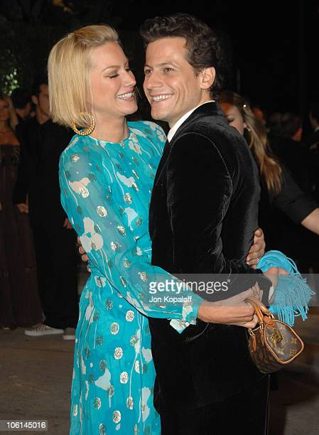 Alice Evans and Ioan Gruffudd during 2007 Vanity Fair Oscar Party Hosted by Graydon Carter at Mortons in West Hollywood California United States