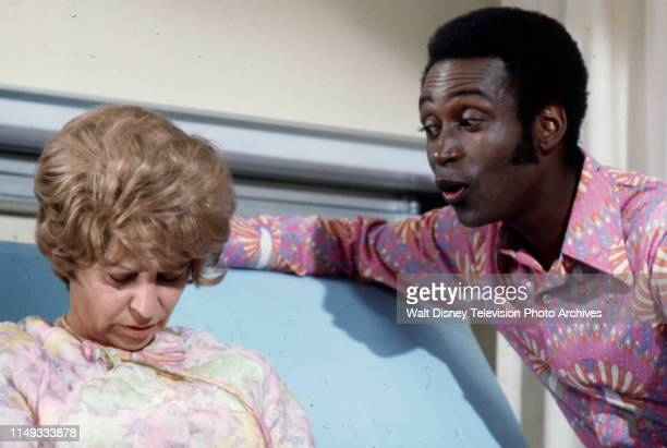 Alice Ghostley Cleavon Little appearing on the ABC tv series 'The New Temperatures Rising Show' episode 'Ellen's Flip Side'