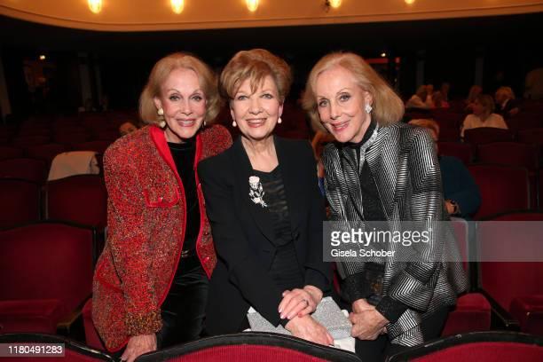 Alice Kessler Carolin Reiber Ellen Kessler during the premiere of the theater play Sonny Boys at Komoedie im Bayerischen Hof on November 6 2019 in...