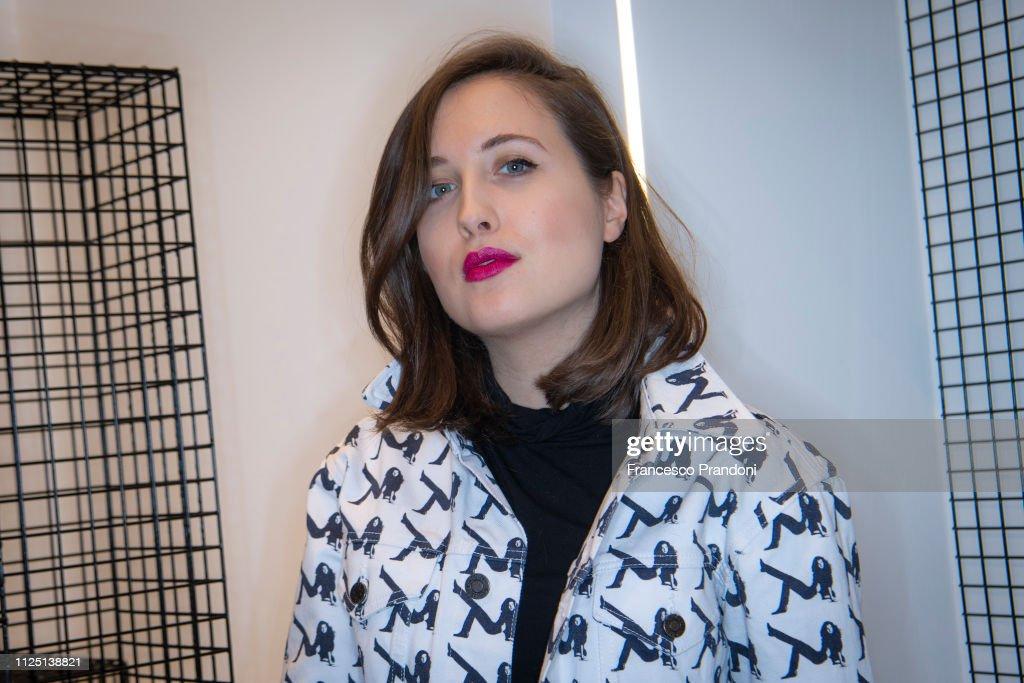 "Alice Merton Presented New Album ""Mint"" At The Greymar Shop In Milan : News Photo"