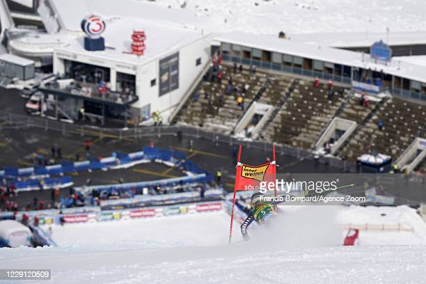 Alice Robinson of New Zealand in action during the Audi FIS Alpine Ski World Cup Women's Giant Slalom on October 17, 2020 in Soelden, Austria.