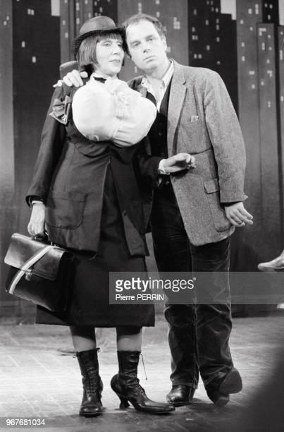 Alice Sapritch dans la pièce 'Superdupont Ze Show' mise en scène par Jérôme Savary au théâtre de l'Odéon le 15 décembre 1982 à aris France