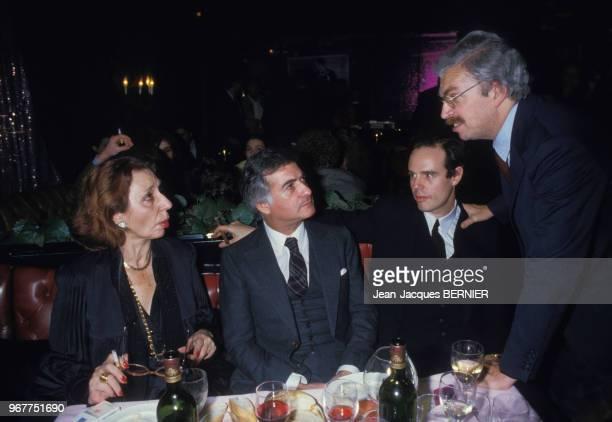 Alice Sapritch JeanClaude Brialy Frédéric Mitterrand et Daniel Toscan du Plantier lors de la soirée 'Cotton Club' à paris le 21 décembre 1984 France