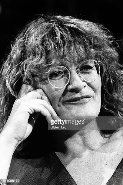 Alice Schwarzer *Journalistin Verlegerin Schriftstellerin DHerausgeberin der Zeitschrift EMMAPorträt August 1988