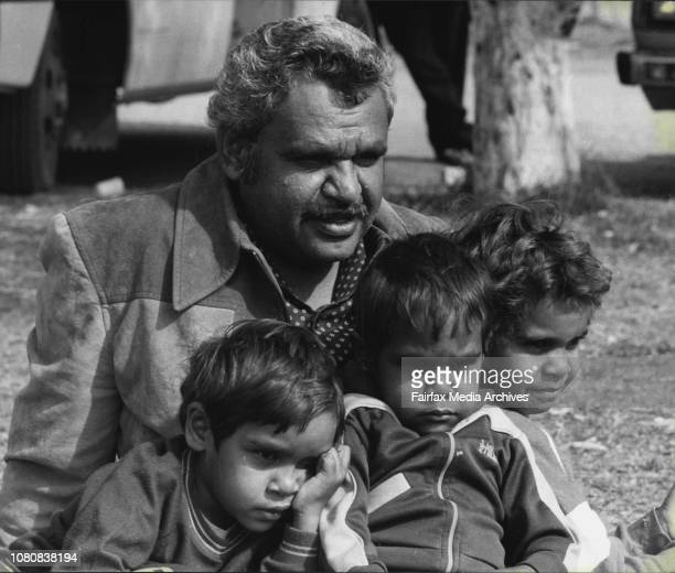 Alice Springs Trip Mr Geoff Shaw with his childrenL to R Barbara Christopher amp Valentine July 11 1981