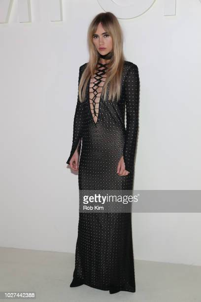 Alice Suki Waterhouse arrives for Tom Ford SS19 fashion show at Park Avenue Armory on September 5 2018 in New York City