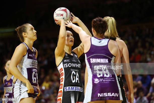 Alice TeagueNeeld of the Magpies shoots during the round two Super Netball match between the Queensland Firebirds and the Collingwood Magpies at...