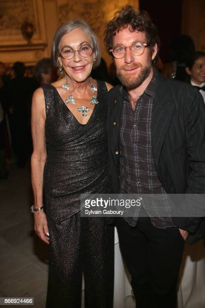 Alice Walton and Dustin Yellin attend the American Federation of Arts 2017 Gala and Cultural Leadership Awards at The Metropolitan Club on October 26...