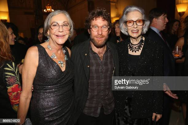 Alice Walton Dustin Yellin and Barbara Tober attend the American Federation of Arts 2017 Gala and Cultural Leadership Awards at The Metropolitan Club...