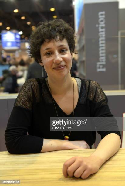 Alice Zeniter le 19 mars 2016 lors du salon 'Livre Paris' France