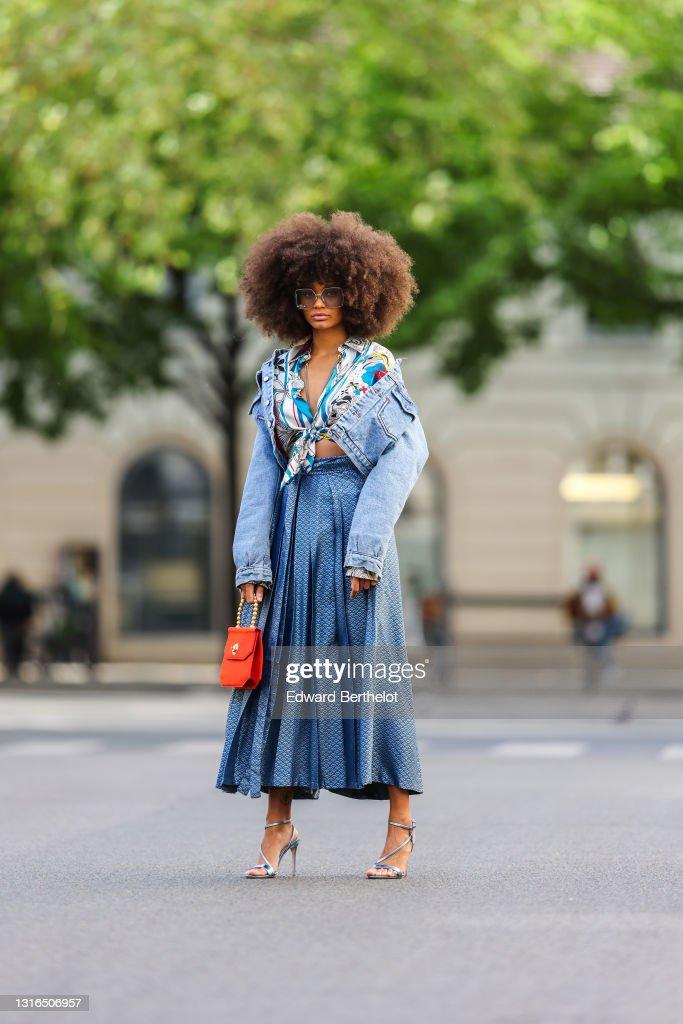 Fashion Photo Session In Paris - May 2021 : Photo d'actualité