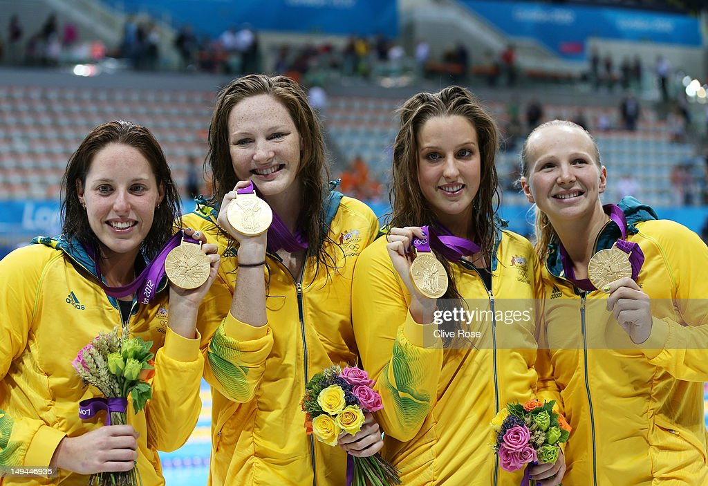Olympics Day 1 - Swimming : Fotografía de noticias