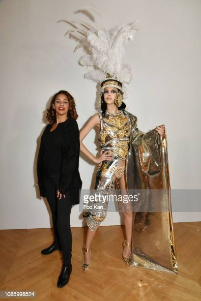 Alicia Fall poses with a model at the On Aura Tout Vu Haute Couture Spring Summer 2019 show as part of Paris Fashion Week on January 21, 2019 in...