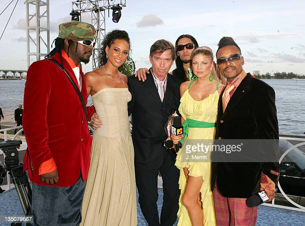 Alicia Keys 2nd from left Kurt Loder and Black Eyed Peas