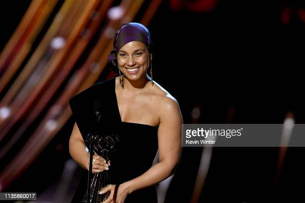 Alicia Keys accepts the iHeartRadio Innovator Award on stage at the 2019 iHeartRadio Music Awards which broadcast live on FOX at the Microsoft...