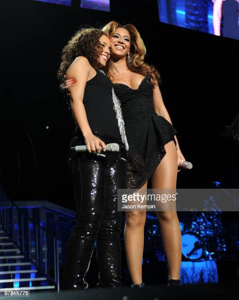Alicia Keys and Beyonce Knowles perform at Madison Square Garden on March 17 2010 in New York City