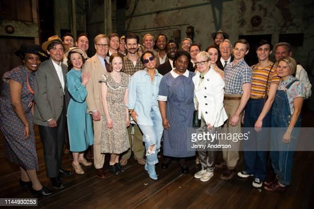 Alicia Keys and castmembers including Jeff Daniels Fred Weller Gbenga Akinnagbe LaTanya Richardson Gideon Glick and Celia KeenanBolger pose backstage...