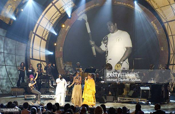 Alicia Keys Angie Stone Jill Scott and Yolanda Adams perform a medley for the Humanitarian Award to Muhammad Ali