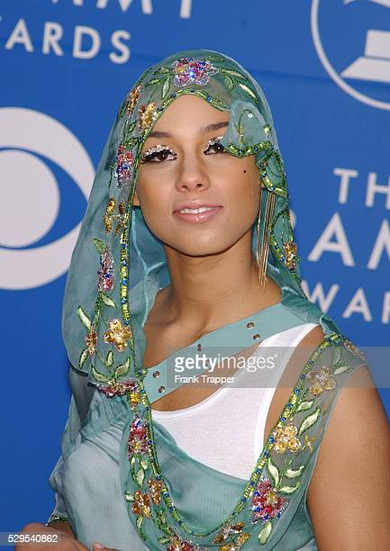 Alicia Keys arrives at the 44th annual Grammy Awards