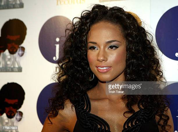 Alicia Keys arrives to perform music from her new release 'As I Am' at Belle Varado Studios on November 17 2007 in Los Angeles California