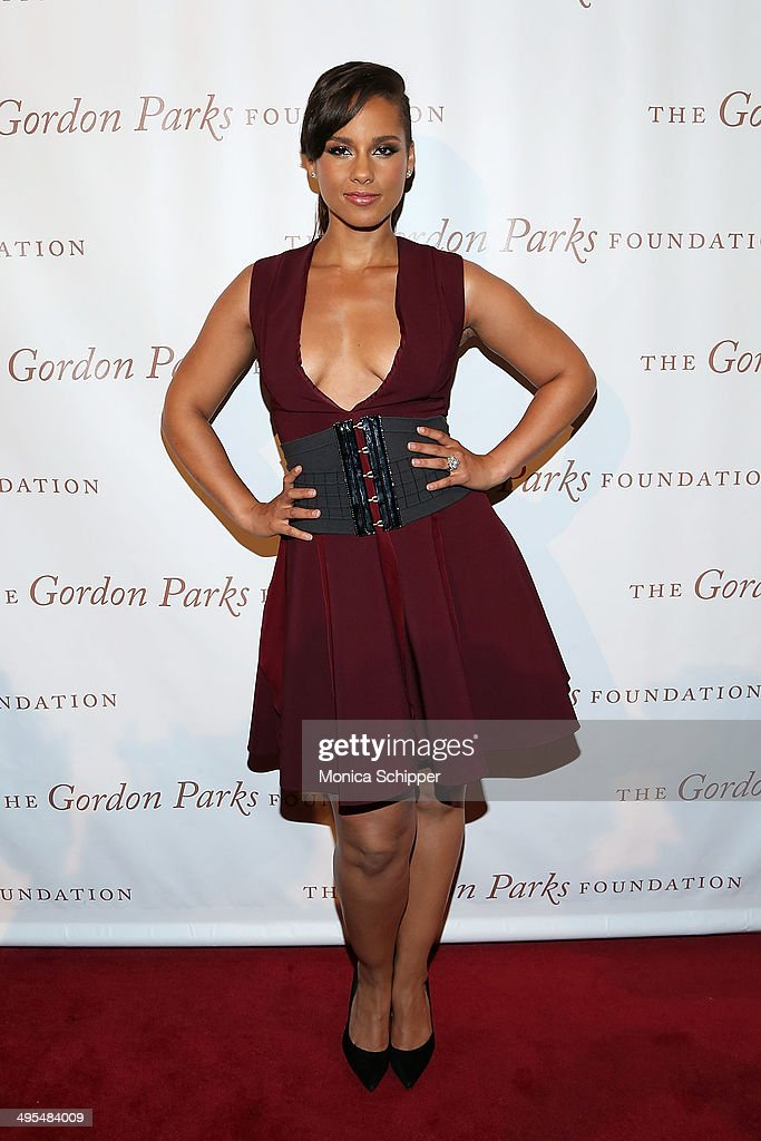 Alicia Keys attends 2014 Gordon Parks Foundation awards dinner at Cipriani Wall Street on June 3, 2014 in New York City.