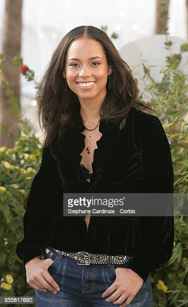 Alicia Keys attends a photocall in Cannes