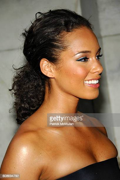 Alicia Keys attends The 2007 CFDA Fashion Awards at The New York Public Library on June 4 2007 in New York City