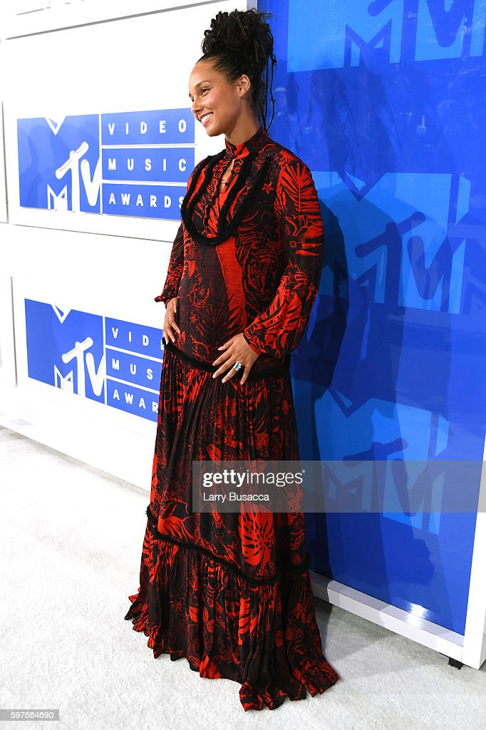 Alicia Keys attends the 2016 MTV Video Music Awards at Madison Square Garden on August 28, 2016 in New York City.